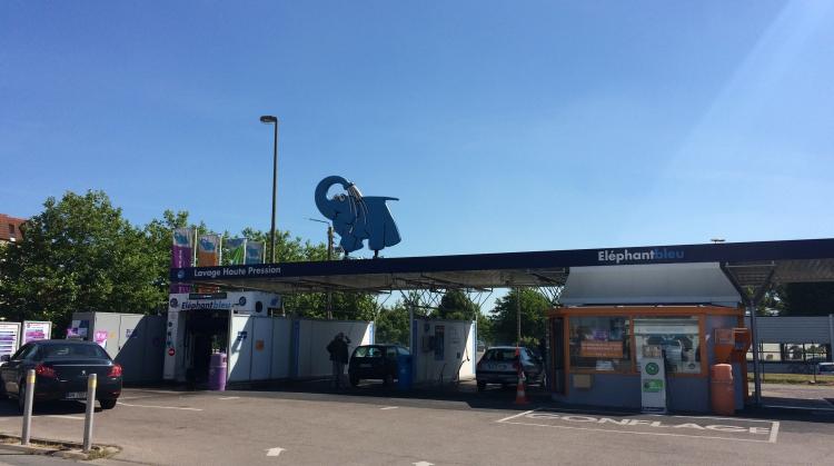 Centre de lavage Eléphant Bleu de COUDEKERQUES (Furnes)