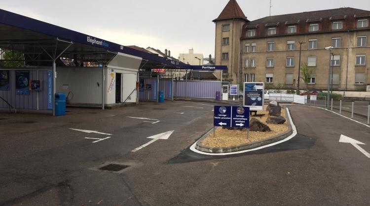 Centre de lavage Eléphant Bleu de NANCY LOBAU