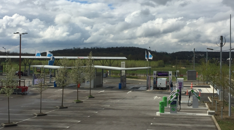 Centre de lavage Eléphant Bleu de LA CROIX SAINT OUEN
