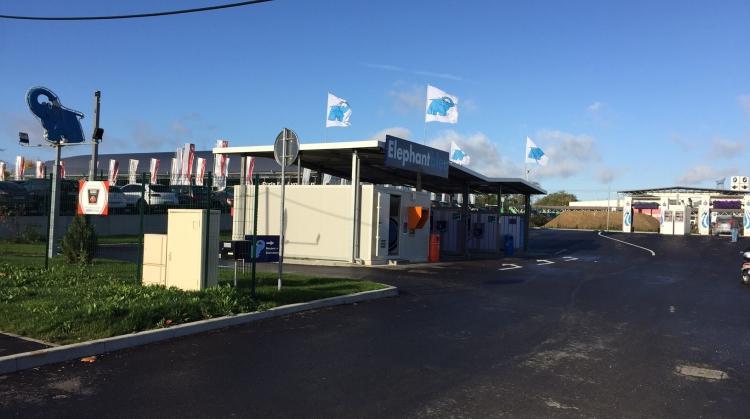 Centre de lavage Eléphant Bleu de SAINT THIBAULT DES VIGNES