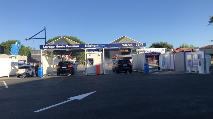 Centre de lavage Eléphant Bleu de LA TESTE DE BUCH